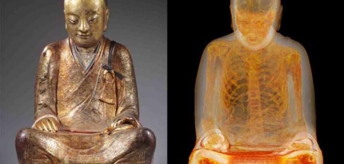 Scoperta incredibile: la statua del Buddha nascondeva il corpo mummificato di un monaco