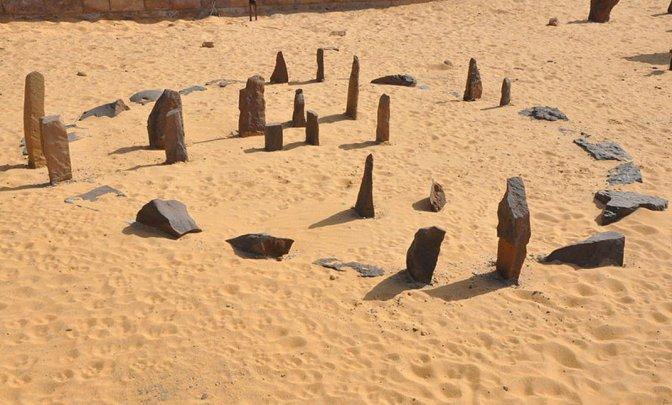 Nabta Playa e gli antichi astronomi del deserto nubiano