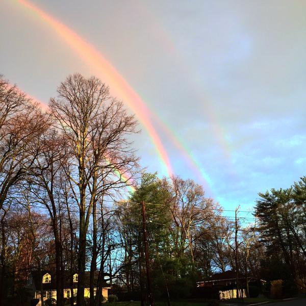Raro  Quadruplo  Arcobaleno   avvistato a New York