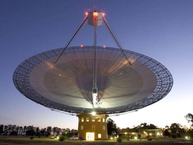 Gli Alieni inviano i segnali radio?