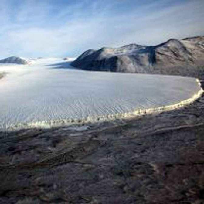 Trovato habitat per la vita aliena sotto il paesaggio arido dell'Antartico