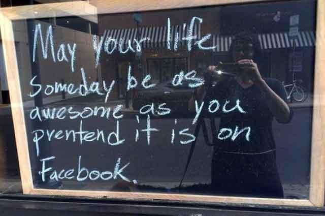 State lontani da facebook se volete stare felici